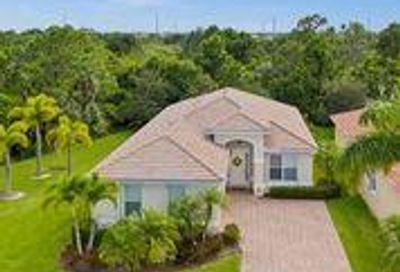 1612 NW Marsh Creek Drive Jensen Beach FL 34957