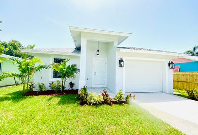 1618 N Palmway Lake Worth Beach FL 33460
