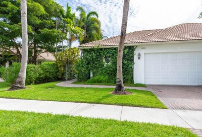 2880 Twin Oaks Way Wellington FL 33414