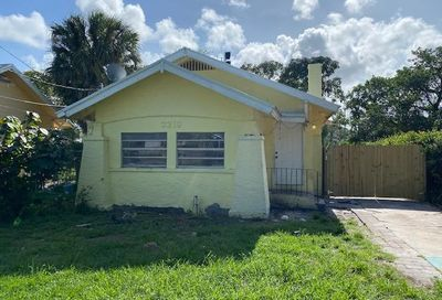 3219 Pinewood Avenue West Palm Beach FL 33407