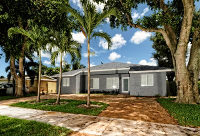 4070 SW 49th Court Dania Beach FL 33004