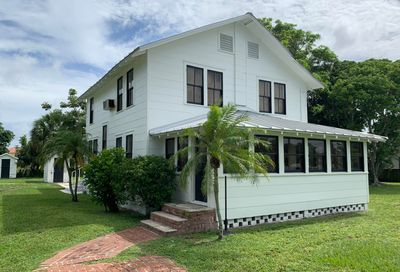 4518 County Line Road Tequesta FL 33469