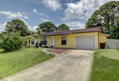 118 SW Christmas Terrace Port Saint Lucie FL 34984
