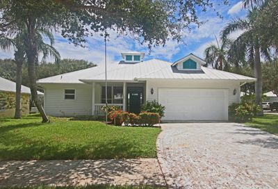 136 Intracoastal Circle Tequesta FL 33469