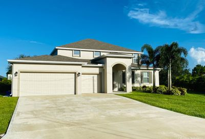 5648 NW Lorna Court Port Saint Lucie FL 34986