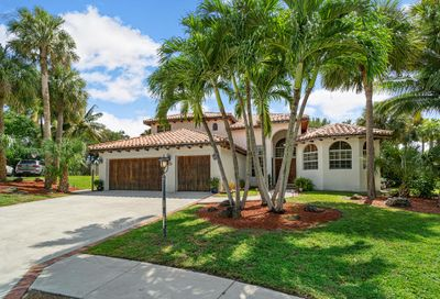 10 Whispering Oak Circle West Palm Beach FL 33411