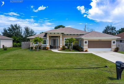 2513 SE West Blackwell Drive Port Saint Lucie FL 34953