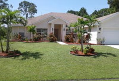 152 SW Pilsner Cir Port Saint Lucie FL 34953
