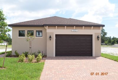 132 SE Via Visconti Port Saint Lucie FL 34952