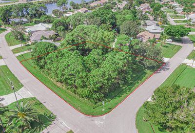 2498 SE Fruit Avenue Port Saint Lucie FL 34952