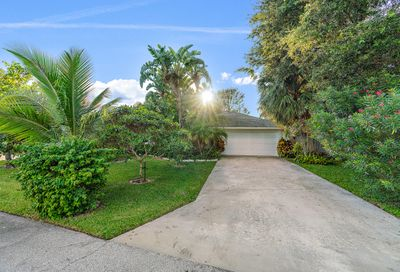 391 Evergreen Avenue Tequesta FL 33469
