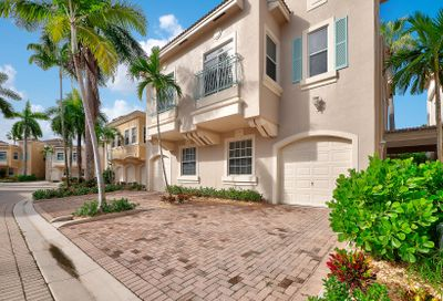 504 Resort Lane Palm Beach Gardens FL 33418