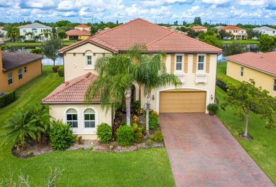 2541 Vicara Court Royal Palm Beach FL 33411