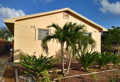 618 S E Lake Worth FL 33460