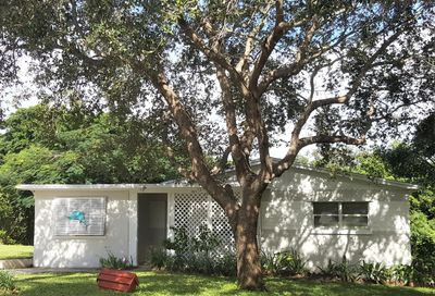 1933 NE Lake Place Jensen Beach FL 34957