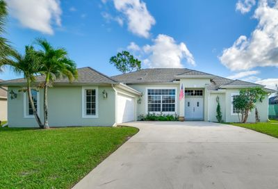 2495 SW Falcon Circle Port Saint Lucie FL 34953