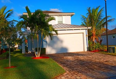 108 SE Via Visconti Port Saint Lucie FL 34952