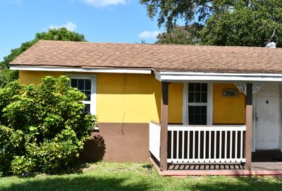 2506 D Avenue Fort Pierce FL 34947