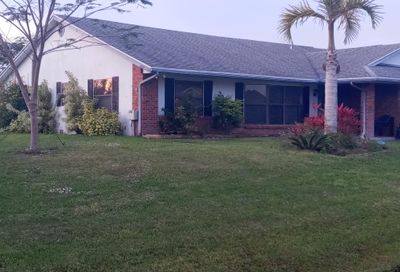 2926 SE Darien Road Port Saint Lucie FL 34952