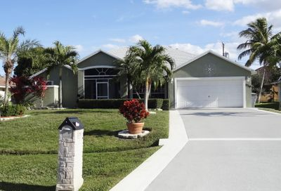 2719 SE Fall Street Port Saint Lucie FL 34984