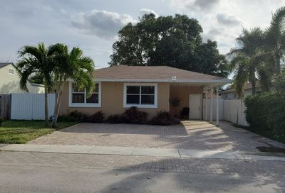 814 Hunter Street West Palm Beach FL 33405