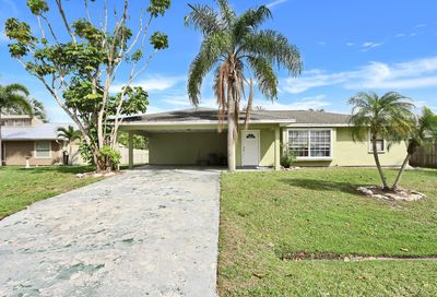 631 SE Crescent Avenue Port Saint Lucie FL 34984