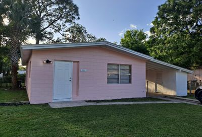 211 N 39th Street Fort Pierce FL 34947