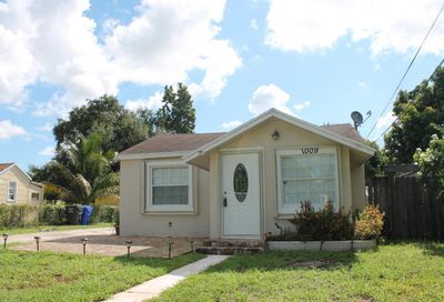 1009 N 62nd Avenue Hollywood FL 33024