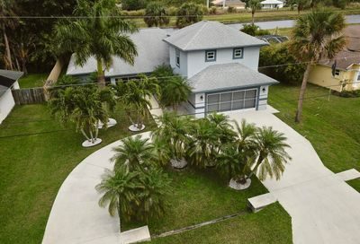 2231 SW Salmon Road Port Saint Lucie FL 34953