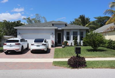 327 SW 2nd Avenue Boynton Beach FL 33435