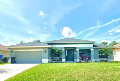 8565 SE Pinehaven Avenue Hobe Sound FL 33455