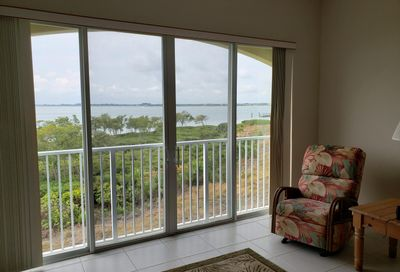 27 Harbour Isle W Drive Fort Pierce FL 34949