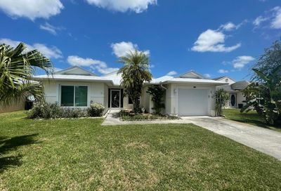 6639 Picante Circle Fort Pierce FL 34951