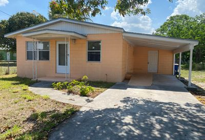 807 N 17th Street Fort Pierce FL 34950