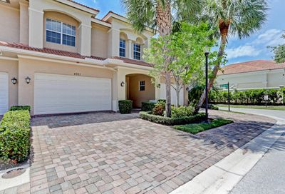 4921 Vine Cliff E Way Palm Beach Gardens FL 33418