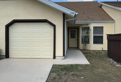 1722 SE Balmoral Court Port Saint Lucie FL 34952