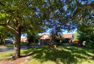 2431 NW 92 Avenue Coral Springs FL 33065