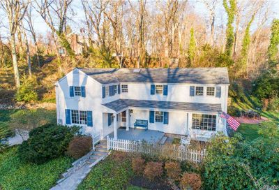 131 Lawrence Hill Road Cold Spring Hrbr NY 11724