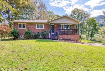 200 Stamey Cove Road Clyde NC 28721