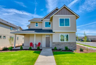 788 NW 27th Street Redmond OR 97756