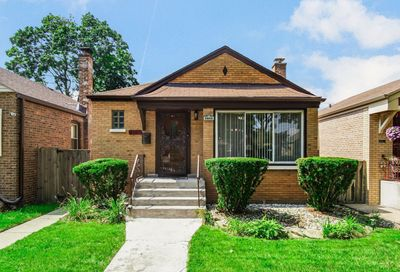 9840 S Maryland Avenue Chicago IL 60628