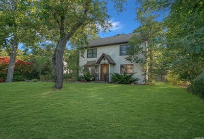 120 Stanley Drive Centereach NY 11720