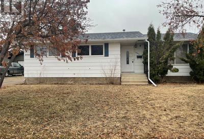 8905 Bowers DR North Battleford SK S9A3C1