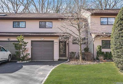 21 Northgate Circle Melville NY 11747