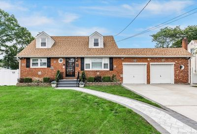 2414 Gladmore Street East Meadow NY 11554