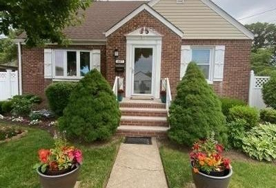 697 Colonial Street Uniondale NY 11553