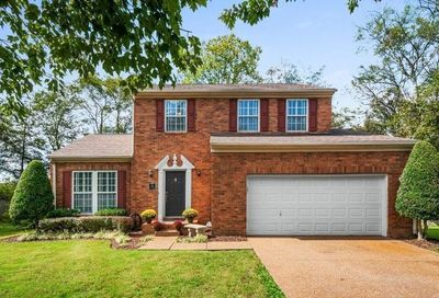 2825 Preakness Ct Thompsons Station TN 37179