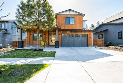 61188 Bachelor View Road Bend OR 97702