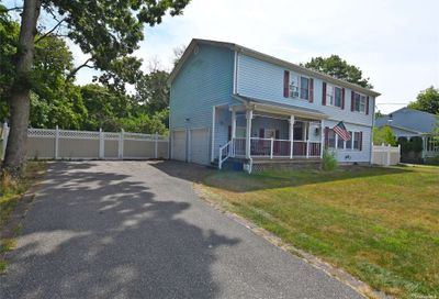 45 Orchard Neck Road Center Moriches NY 11934