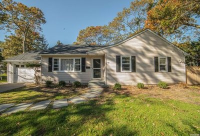 address withheld Brightwaters NY 11718